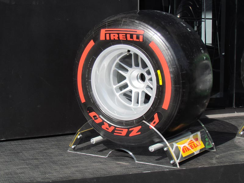 di-spark-lotus-formula-pirelli.jpg